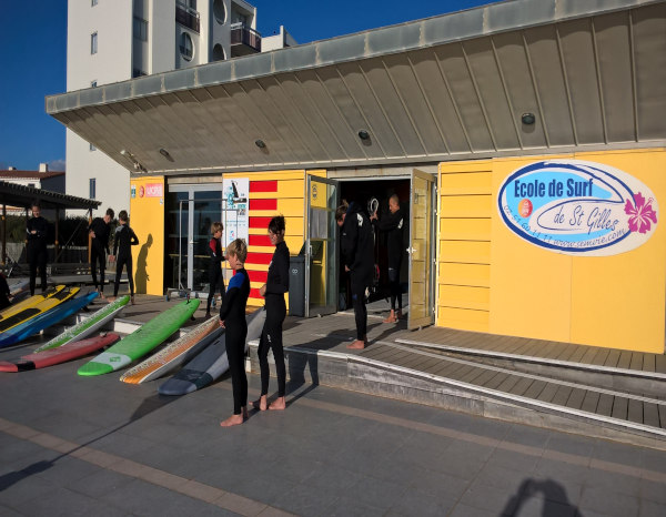 local ecole de surf saint gilles croix de vie
